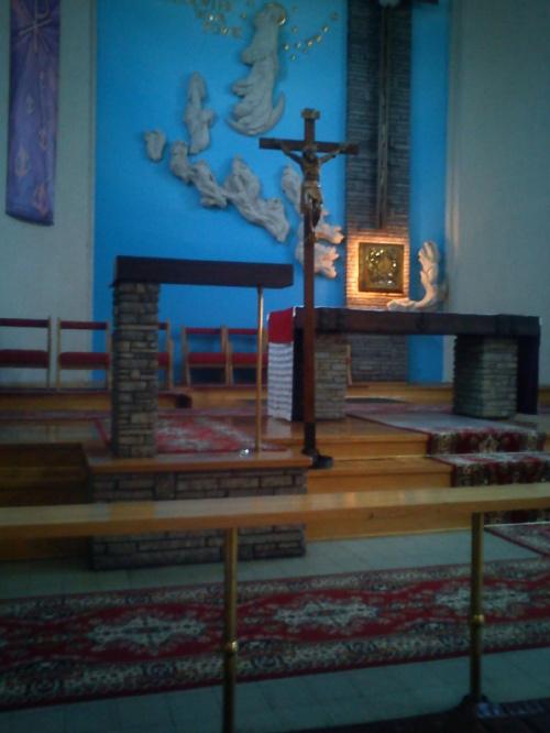 Ołtarz w Kościele Najświetszych Imion Jezusa i Maryi