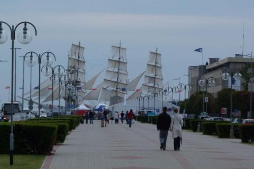 żaglowiec na horyzoncie #morze #Gdynia
