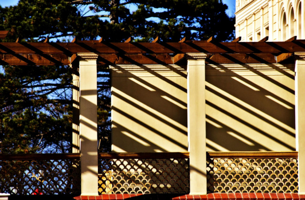 zabawy światłem #architektura #detal #światło #cień #wzory