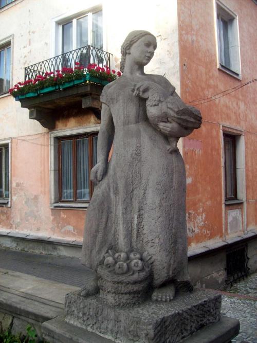 Rzeźba gospodyni #Warszawa #miasto #widok #rzeźba