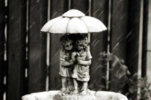 fontanna, deszcz #fontanna #deszcz