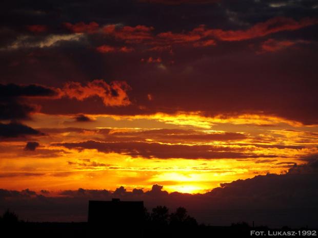 Zachód słońca poza miastem - Opolszczyzna #opolszczyzna #Opolskie #opole #zachód #zachod #słońca #slonca #wieś #wies
