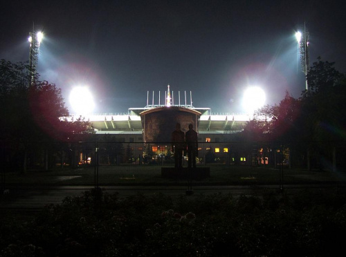 przed stadionem w czasie koncertu U2 #ficiol007 #imprezy #koncerty #wydarzenia